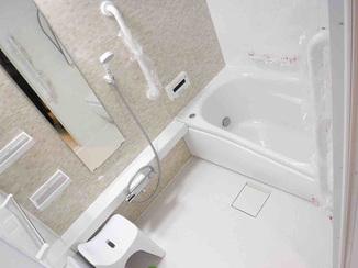 バスルームリフォーム 気持ち良く入浴できる広さにサイズアップしたバスルーム